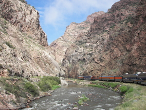 Train thru the gorge