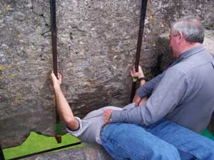 Fred kisses the Blarney Stone